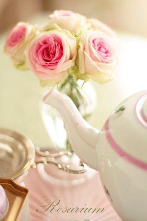 ウィーンの薔薇ピンクでプチアフタヌーンティー♪|*Rosarium*