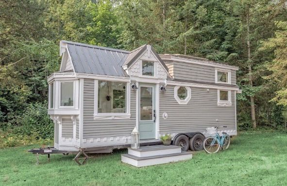 This is a 24′ tiny house on wheels built by Summit Tiny Homes in Armstrong BC Canada. This model is called The Heritage which gives you that timeless vintage look and feel. Please enjoy, lear…