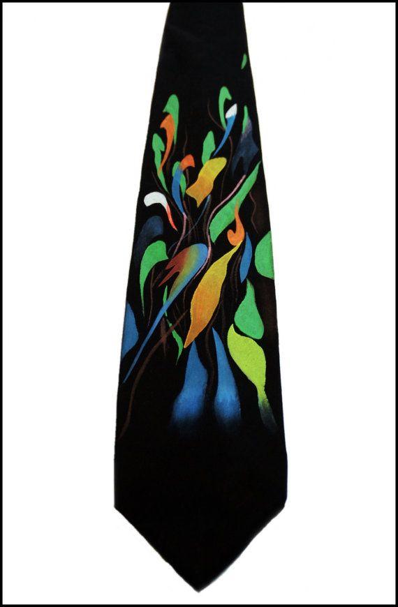 Chi dice darte ha da appendere alle pareti?    Individualmente dipinte a mano seta cravatta uomini da LExpresion Internationale, Inc.    Questo è un artistico di alta qualità, prodotto durevole. Il materiale è un lussuoso 16mm seta Crepe de Chine, pressofusione e drycleanable. Ogni cravatta è mano cucita con un filo di ciclo interno sul retro, con qualità paragonabile ad altre aziende di cravatta di alta qualità. La cravatta è individualmente dipinto a mano con pennello, utilizzando vernici…