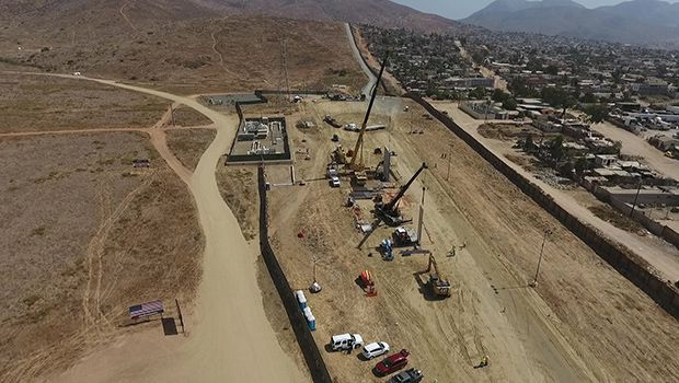 Cards Against Humanity Buys Land At Mexican Border To Stop Trump's Wall Plans https://tmbw.news/cards-against-humanity-buys-land-at-mexican-border-to-stop-trumps-wall-plans  Cards Against Humanity bought land on the US-Mexican border in an effort to halt Trump's plan to erect a wall. Find out about the company's latest, greatest stunt here.While the real victor in a game of Cards Against Humanity usually requires a real dark sense of humor, the company known for its pranks just had a winning…