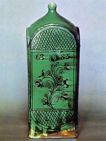 Zöld butella karcolt diszitéssel, Hódmezővásárhely, 1883. - Magyar Néprajzi Muzeum)