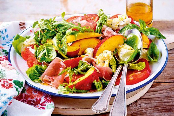 Unser beliebtes Rezept für Sommerlicher Nektarinen-Mozzarella-Salat und mehr als 55.000 weitere kostenlose Rezepte auf LECKER.de.