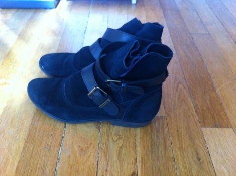 LES TROPéZIENNES Bottines & low boots plates #Videdressing