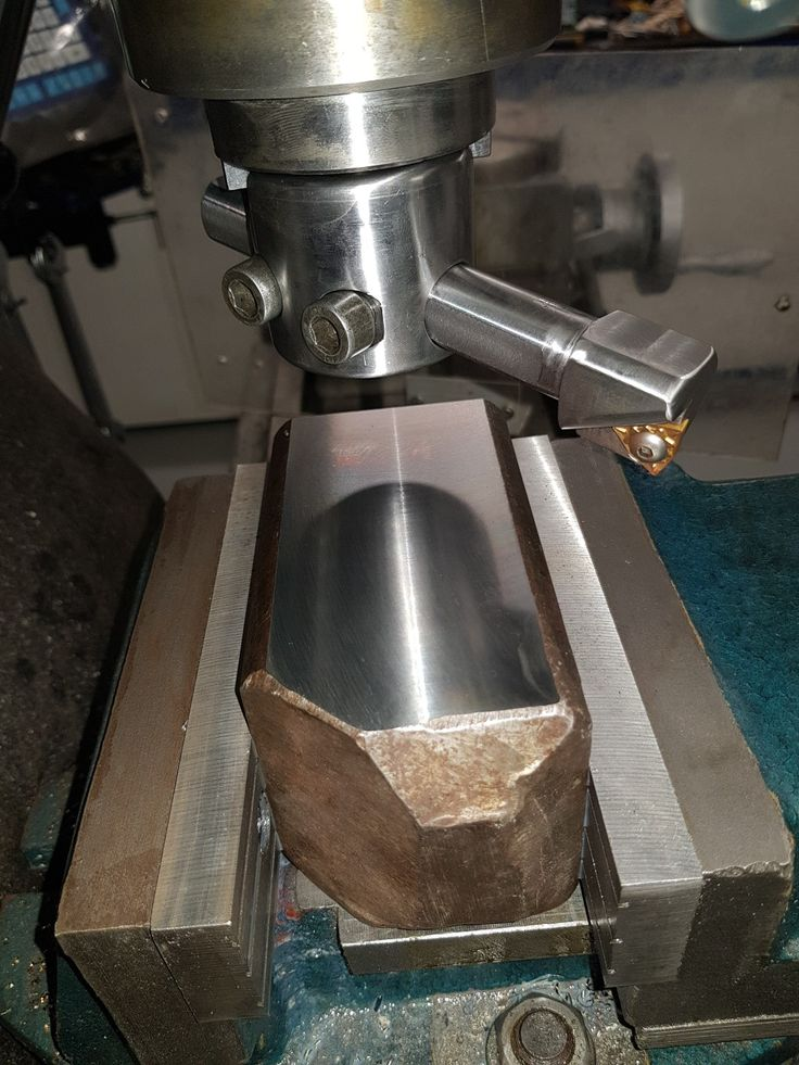 Made a new flycutter out of 4140 with carbide insert at 7 deg neg rake . Turning at 700rpm gives mirror finish on 1018 scrap at 0.8mm depth of cut. Cut dry. Very happy with the results.