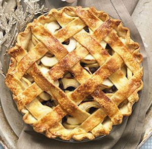 a boozy thanksgiving dessert recipe - rum raisin apple pie