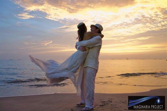 http://www.imaginariaprojectwedding.com/10-ideas-para-tu-boda-en-la-playa-72-32