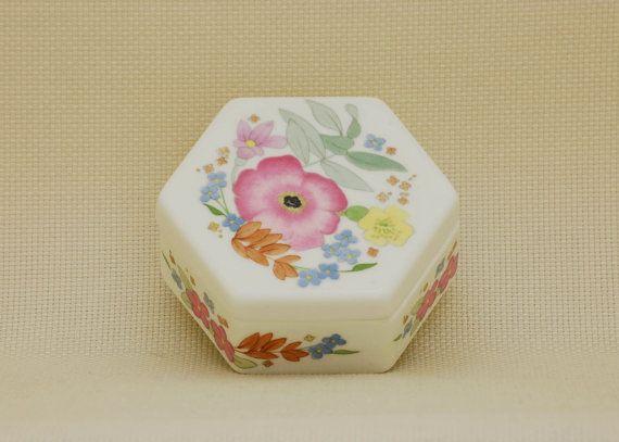 "Wedgwood Bone China, ""Meadow Sweet"", Floral Hexagonal Trinket Box, Made in…"