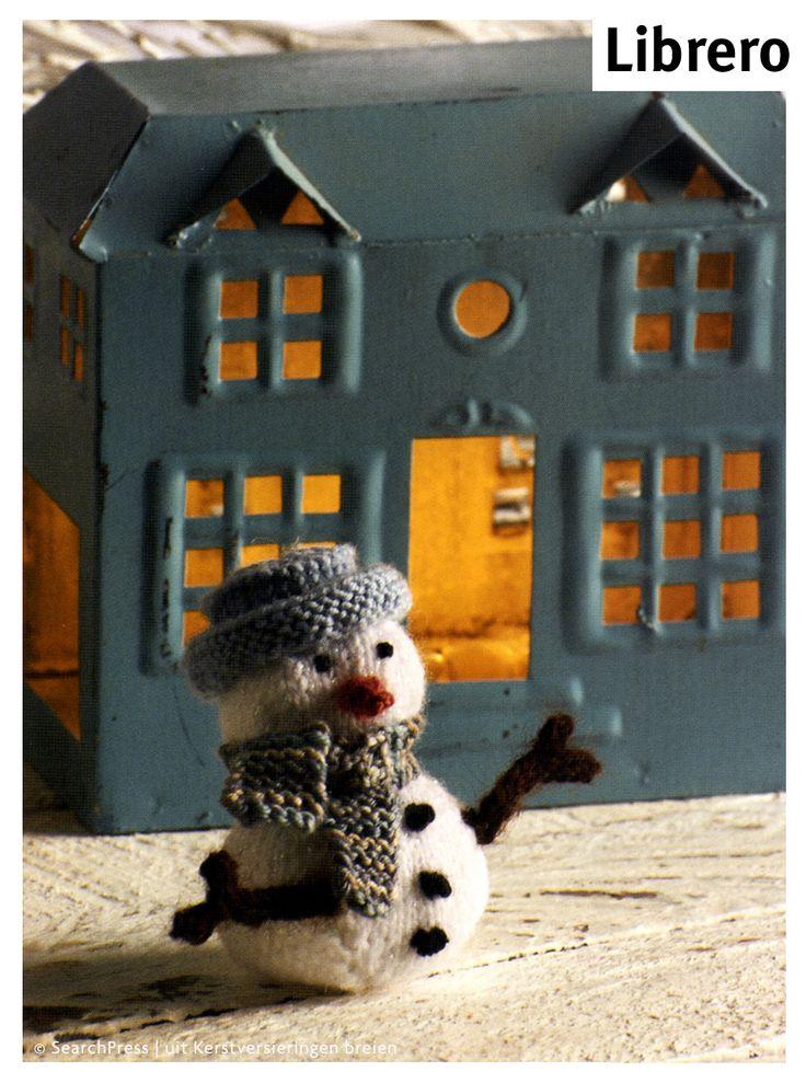 Gebreide sneeuwpop uit het boekje Kerstversieringen breien