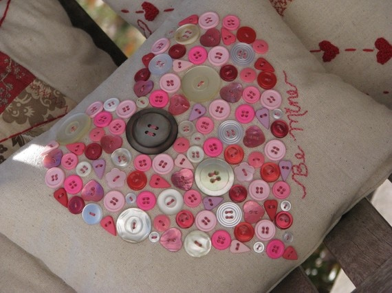 Heart of Buttons Valentine Pillow from ThePineConeTeaCup on Etsy $27.00 #etsy, #handmade, #handcrafted, #homeButtons Valentine, Etsy, Heart Pillows, Creswell Forts, Pink Pillowslip, Heather Creswell, Holiday Crafts, Heather Forts, Buttons Heart