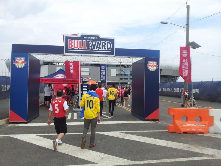 This walk to the ground for New York RedBulls in NYC is pretty impressive.