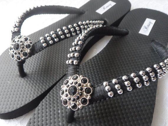Negro sandalias boda Color Flip Flops / chanclas playa Macrame / plata perlas sandalias / zapatos de damas de honor.