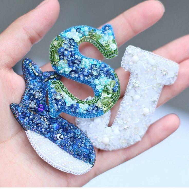 Автор @iussya   〰〰〰〰〰〰〰〰〰〰〰〰〰〰 По всем вопросам обращайтесь к авторам изделий!!!  #ручнаяработа #брошьизбисера #брошьручнойработы #вышивкабисером #мастер #бисер #handmade_prostor #handmadejewelry #brooch #beads #crystal #embroidery #swarovskicrystals #swarovski #купитьброшь #украшенияручнойработы #handmade #handemroidery #брошь #кольеручнойработы #кольеизбисера #браслеты #браслетручнойработы #сутажныеукрашения #сутаж #шибори #полимернаяглина #украшенияизполимернойглины