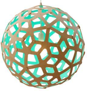 De vorm van de Coral lamp is gebaseerd op de structuur van een geometrische veelvlak.David Trubridge werd bij deze lamp geinspireerd door de vorm van koraal die hij tijdens het snorkelen zag....