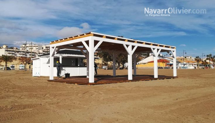 Listo para la temporada- Chiringuito El Polvorín Beach, playa  Bol Nuevo, Mazarrón, Murcia. Instalación desmontable de madera para exterior fabricada por NavarrOlivier  #chiringuito #kiosco #Mazarron #Murcia #Beachbar #playa #navarrolivier #pergola #terraza #guinguette
