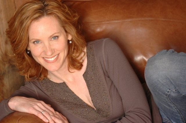 Judith Hoag hairstyles for mom