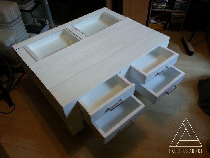 Une nouvelle table basse sur roulettes 4 roulettes dont 2 for Table basse coulissante