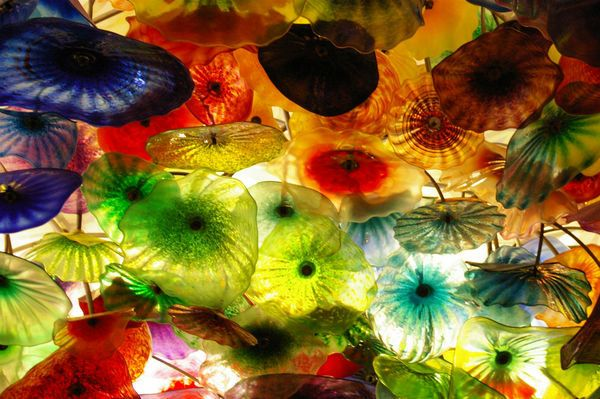 hand blown glass: Las Vegas, Red Glasses, Hands Blown Glasses, Color Glasses, Lobbies Ceilings, Poker Chips, Glasses Ceilings, Glasses Art, Glasses Images
