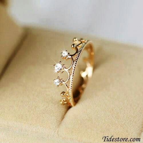 A Father gives his daughter this ring for her 15th birthday (when dating is officially allowed) to wear on her left ring finger--to remind her that she will always be HIS little Princess first-- and to remind her to only date boys who will treat her like a Queen!