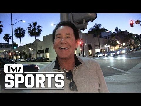 WAYNE NEWTON VEGAS RAIDERS HAVE MY BLESSING... And My Voice To Sing Anthem!!! | TMZ Sports