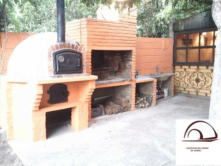 Cocina exterior con horno y barbacoa de ladrillo - outdoor kitchen with brick oven and barbecue