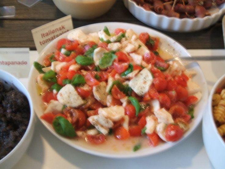 Tomatsalat m. frisk mozzarella