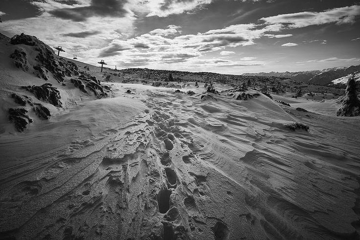 Behind us. Voltarsi a guardare la strada che abbiamo percorso ci aiuta a capire il nostro futuro. #Wabisabiphotography #FujifilmX-T1 #Snow #Trentino #Paganella #Alps #Winter