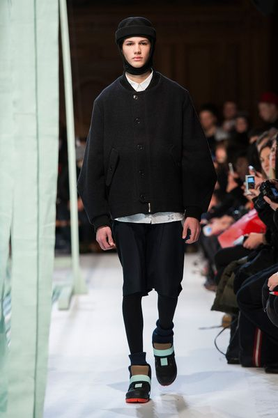Mode à Paris FW 2014/15 – Henrik Vibskov See all the catwalk on: http://www.bookmoda.com/sfilate/mode-a-paris-fw-201415-henrik-vibskov/  #paris #fall #winter #catwalk #menfashion #man #fashion #style #look #collection #modeaparis #henrikvibskov @Henrik Vibskov