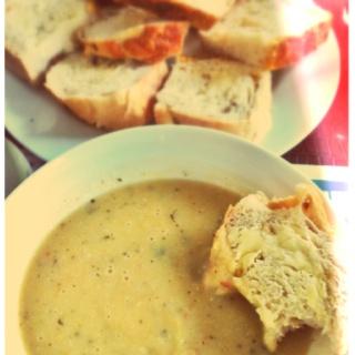 Jed's home made leftover Christmas vegetable, leek & potato soup.