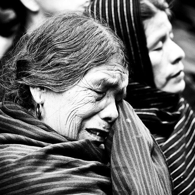 Vivos los queremos.Todos somos Ayotzinapa. (Como se va a salir con la suya este €&@) gobierno y acepte lo que hicieron!!) , que vergüenza!!!