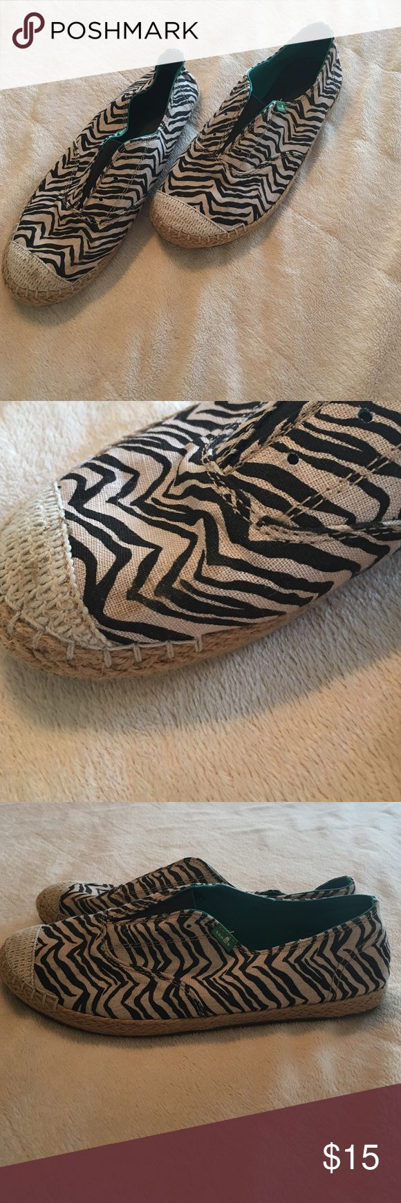 Sanuk zebra shoes Size 9, sanuk shoes. So so comfortable!! Only worn once, some dirt on toes that I have not tried to clean. Shoes