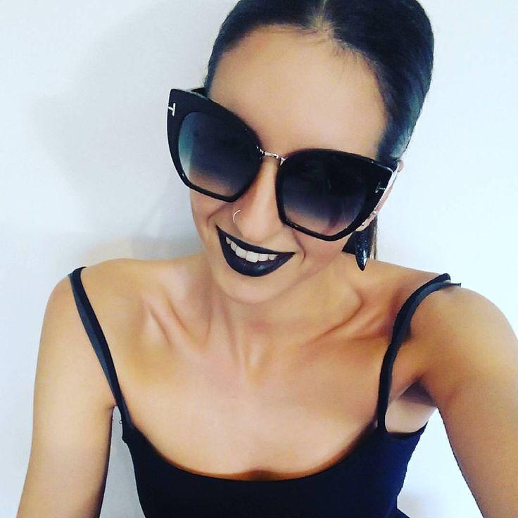 """¡En Optilens ya nos etamos poniendo """"modo black"""" para que el próximo 24 de noviembre sea inolvidable! www.optilens.es  #blackfriday #viernesnegro #24noviembre #noviembre #november #ofertas #notelopierdas #blogger #estilo #dark #style #black #negro #blancoynegro #oscuro #instagram #instalife #picoftheday"""