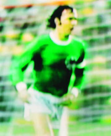 Robert Davies, Franz Beckenbauer West Germany v Sweden, 4-2 (Second round), 30.06.1974, Rheinstadion Düsseldorf, West Germany, 2003 / 2006 © www.lumas.com #lumas