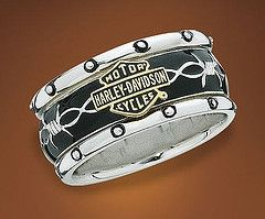 Harley Davidson Engagement Rings: Pay Attention Motorcycle Enthusiasts