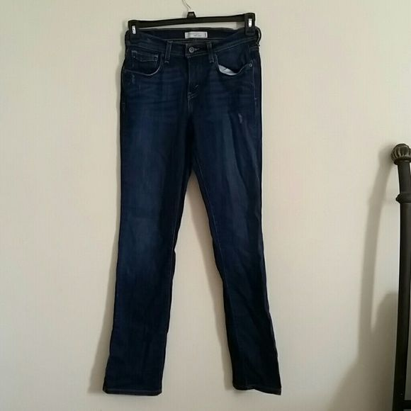 Levis 506 long length 6 long. Distressed arpund pockets Levi's Jeans Straight Leg