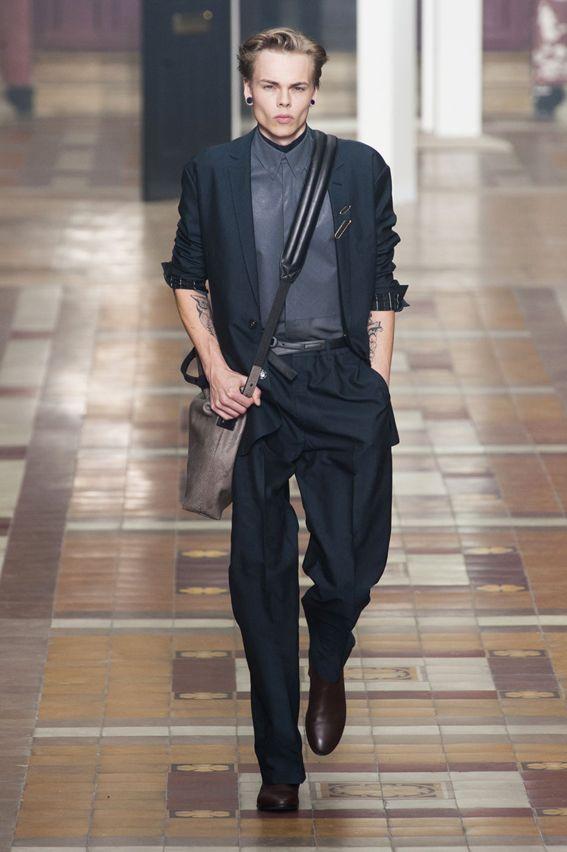 Mode à Paris S/S 2015 - Lanvin See all fashion show at: http://www.bookmoda.com/?p=20007 #spring #summer #SS #catwalk #fashionshow #menswear #man #fashion #style #look #collection #paris #fashionweek #lanvin