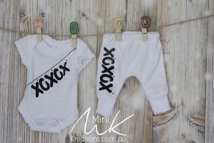 Printed XOXOX  Black to fit 9 inch dolls (fits wee patience)