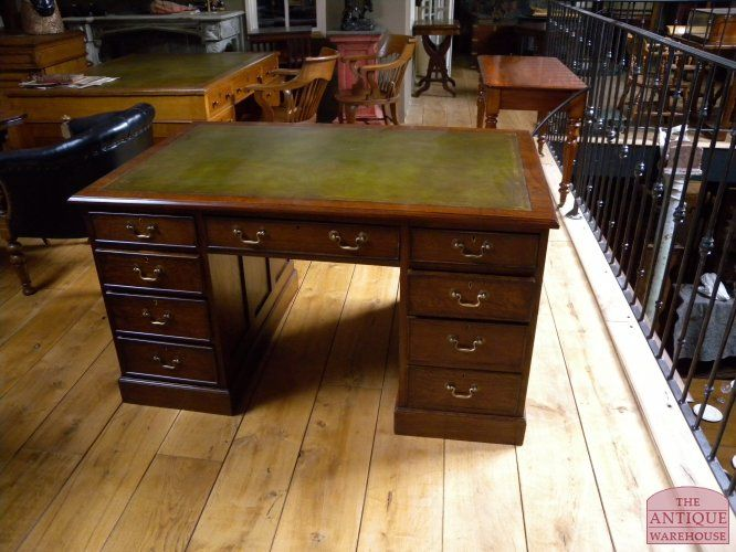 Antiek bureau | Antieke bureau inrichting - Antique Warehouse