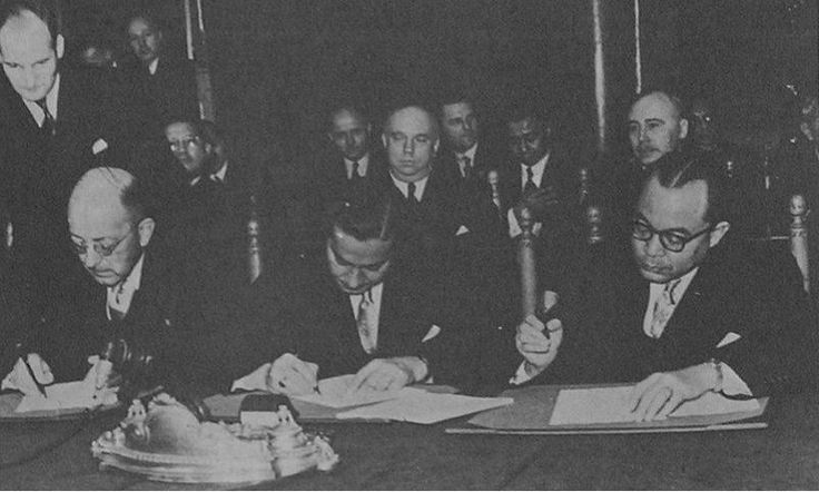 Sejarah dan Latar Belakang Konferensi Meja Bundar