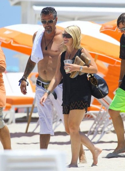 Richard Rawlings Photos - Richard Rawlings Enjoys a Beach Day - Zimbio
