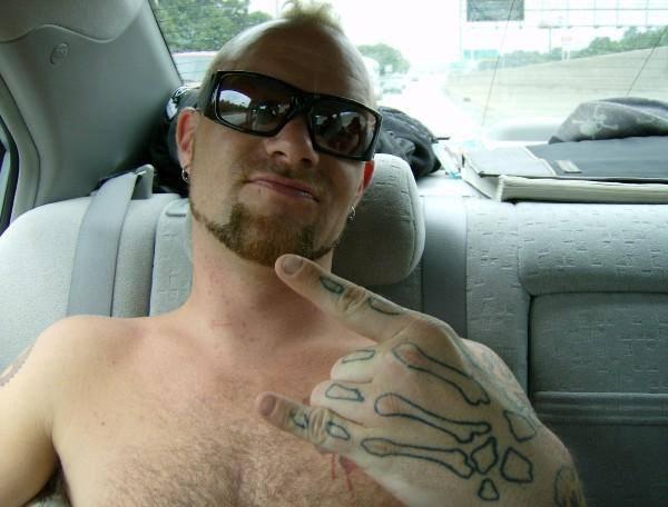 Mmm.. shirtless Ivan! | Ivan Moody | Pinterest | Ivan ...