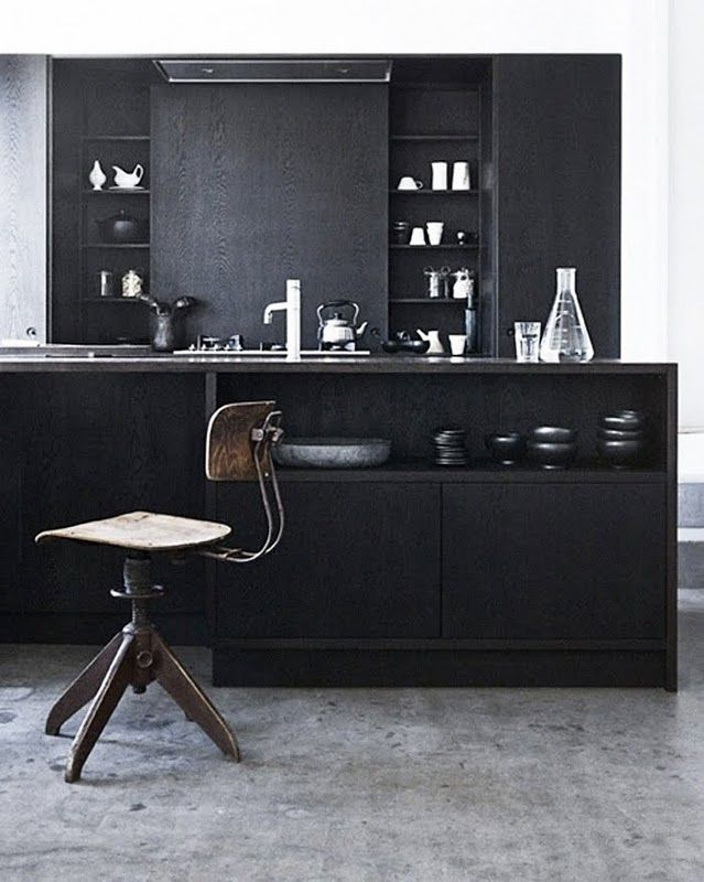 classy: Kitchens Interiors, Dark Kitchens, Grey Interiors, Kitchens Design, Black Cabinets, Interiors Design, Black Kitchens, Design Kitchens, Modern Kitchens