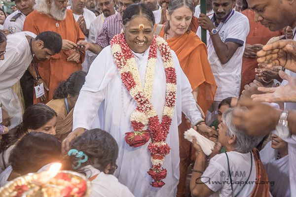 Amma in Malaysia - Amma, Mata Amritanandamayi Devi ... Amma personifies all that she and her society stand for