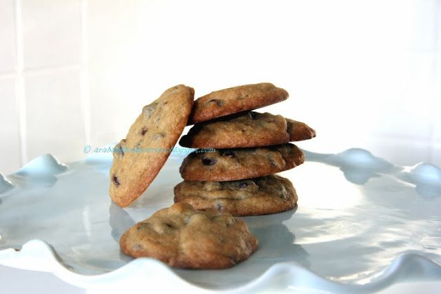 Arabafelice in cucina!: Chocolate chip cookies > Sono talmente stordita che ho esagerato con il bicarbonato :(