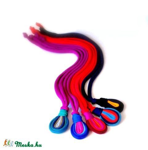 LOOG - medálos textilnyaklánc papagáj S/S2015, Ékszer, óra, Nyaklánc, Ékszerkészítés, Újrahasznosított alapanyagból készült termékek, Meska