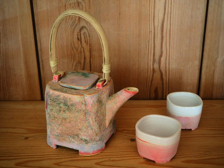 tecups and teapot