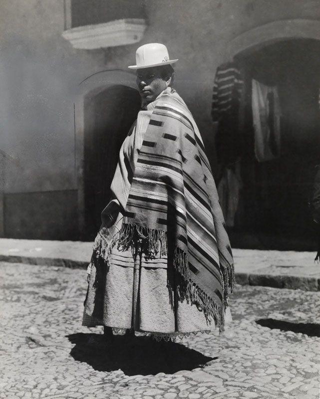 第7回 女子プロレスの衣装になったボリビアの伝統衣装(1909年)   ナショナルジオグラフィック日本版サイト
