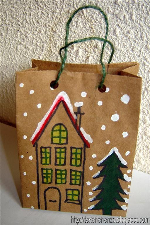 Kerstcadeau tas;  Print het patroon uit. Laat kinderen dit patroon (zie site) overnemen op een stuk bruin inpakpapier. Maak een kersttekening op een of beide brede delen van het stuk papier.