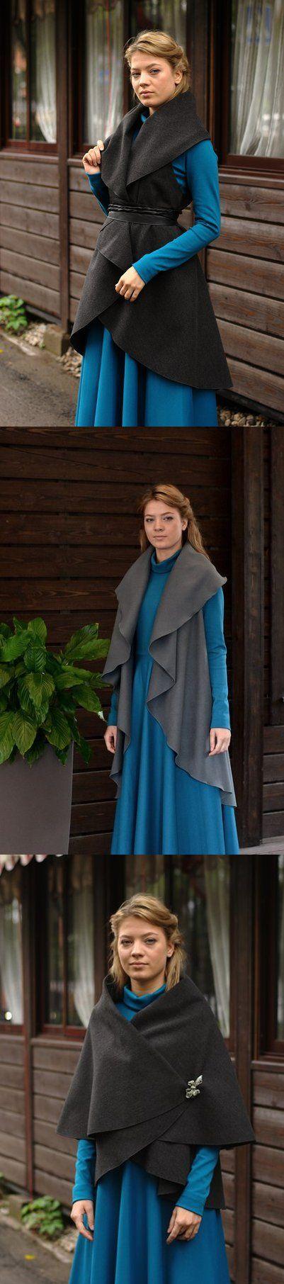 Жилет-трансформер из качественного плотного сукна. В межсезонье можно носить как верхнюю одежду, или в помещении - как вариант теплого кардигана. В комплекте пояс из той же ткани. В наличии много расцветок: серый, мята, шоколад, фуксия, пыльная роза, красный, темно-синий, мокко, темный изумруд, графит, терракот. Состав ткани: Шерсть, вискоза, элостан.