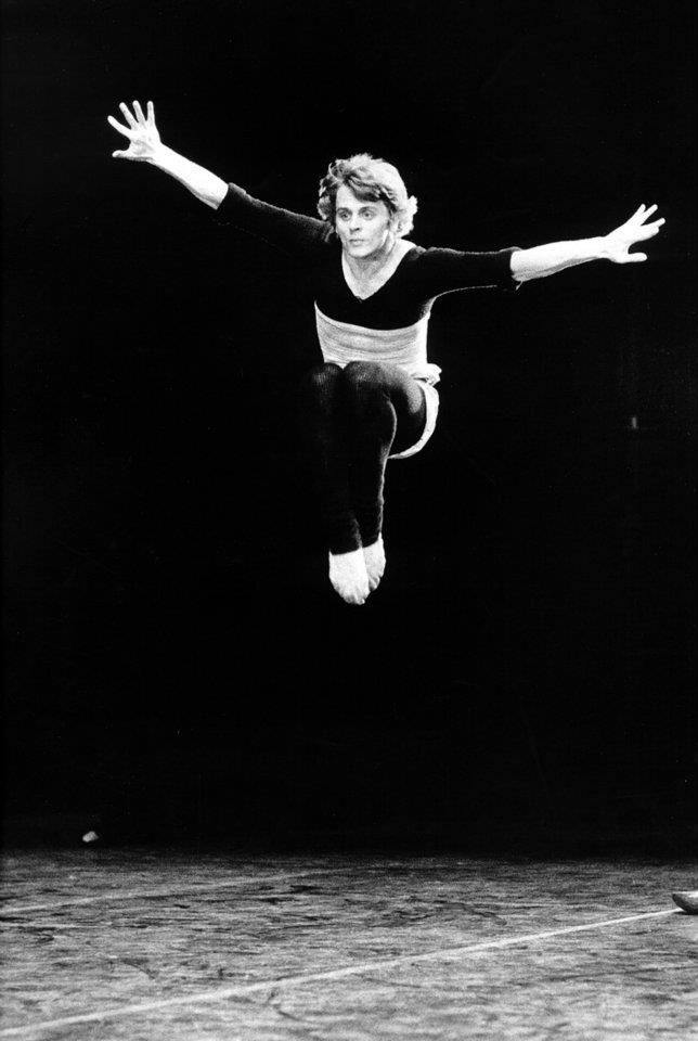 achievements of mikhail baryshnikov as a dancer Mikhail nikolayevich baryshnikov (russian: михаи́л никола́евич бары́шников   he joined the kirov ballet and mariinsky theater in 1967, dancing the peasant  pas  in 2003, he won the prix benois de la danse for lifetime achievement.