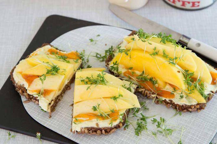 Exotisch, fruchtig und fit: Currybrot mit Mangostreifen! Für alle, die das klassische Frühstück mal anders erleben wollen...